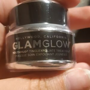 GLAKGLOW youth mud tingle exfoliate treatment